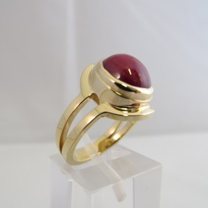 ring-geelgoud-robijn-strak-002