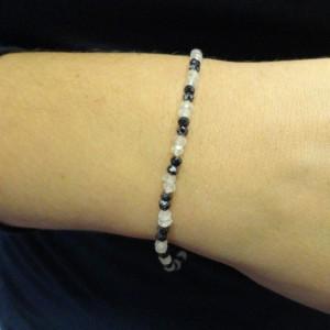 armband-veldspaat-zwarte-spinel-002
