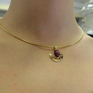 hanger-goud-robijn-diamant-004