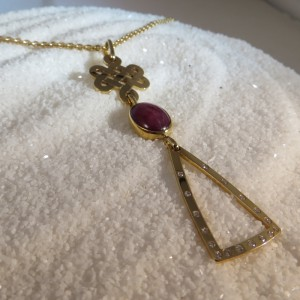 hanger-goud-robijn-diamant-groot-002
