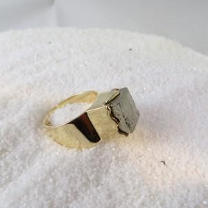 ring-goud-pyriet-vierkant-003